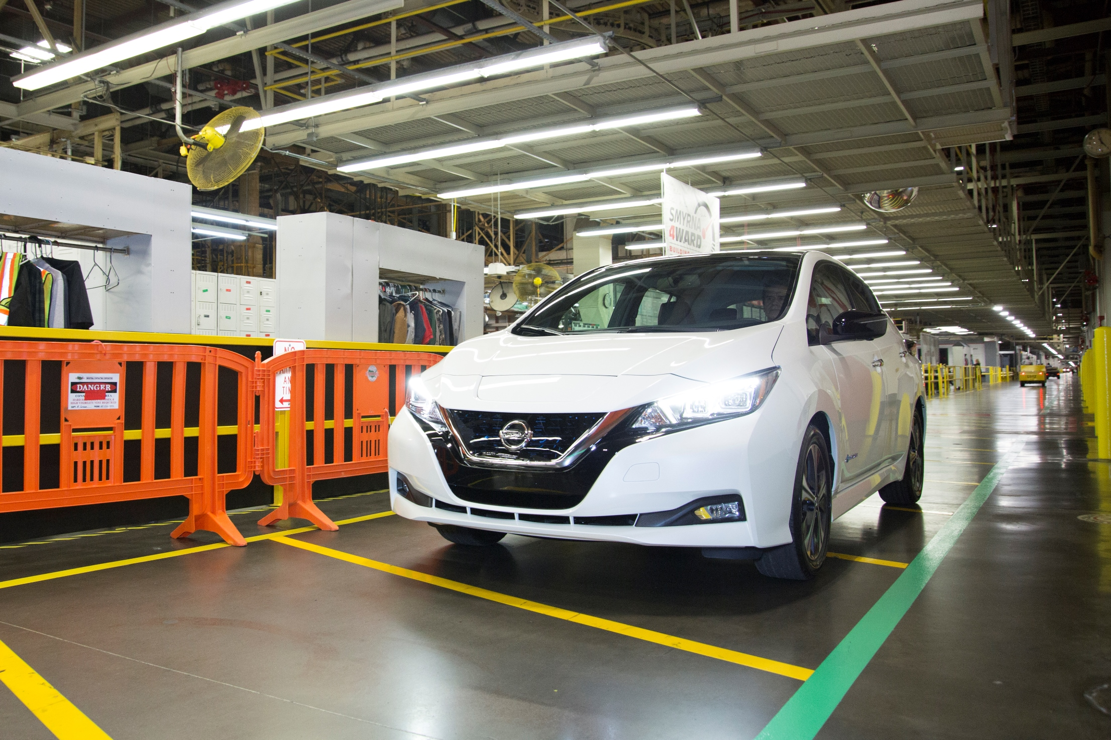 Nissan Smyrna Tn Jobs >> U S Spec 2018 Nissan Leaf Starts Production In Smyrna Tennessee