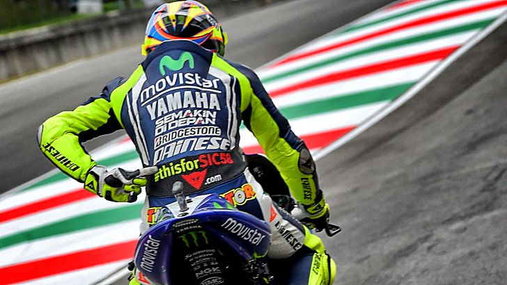 Valentino Rossi #thisforSIC58 Mugello Leathers Up for Sale - autoevolution