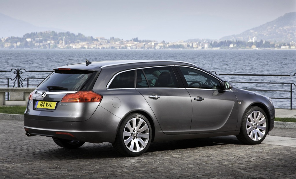 vauxhall launches the insignia sports tourer 4x4. Black Bedroom Furniture Sets. Home Design Ideas