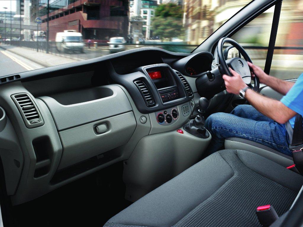 Vauxhall Vivaro Gets More Equipment for Less Money - autoevolution
