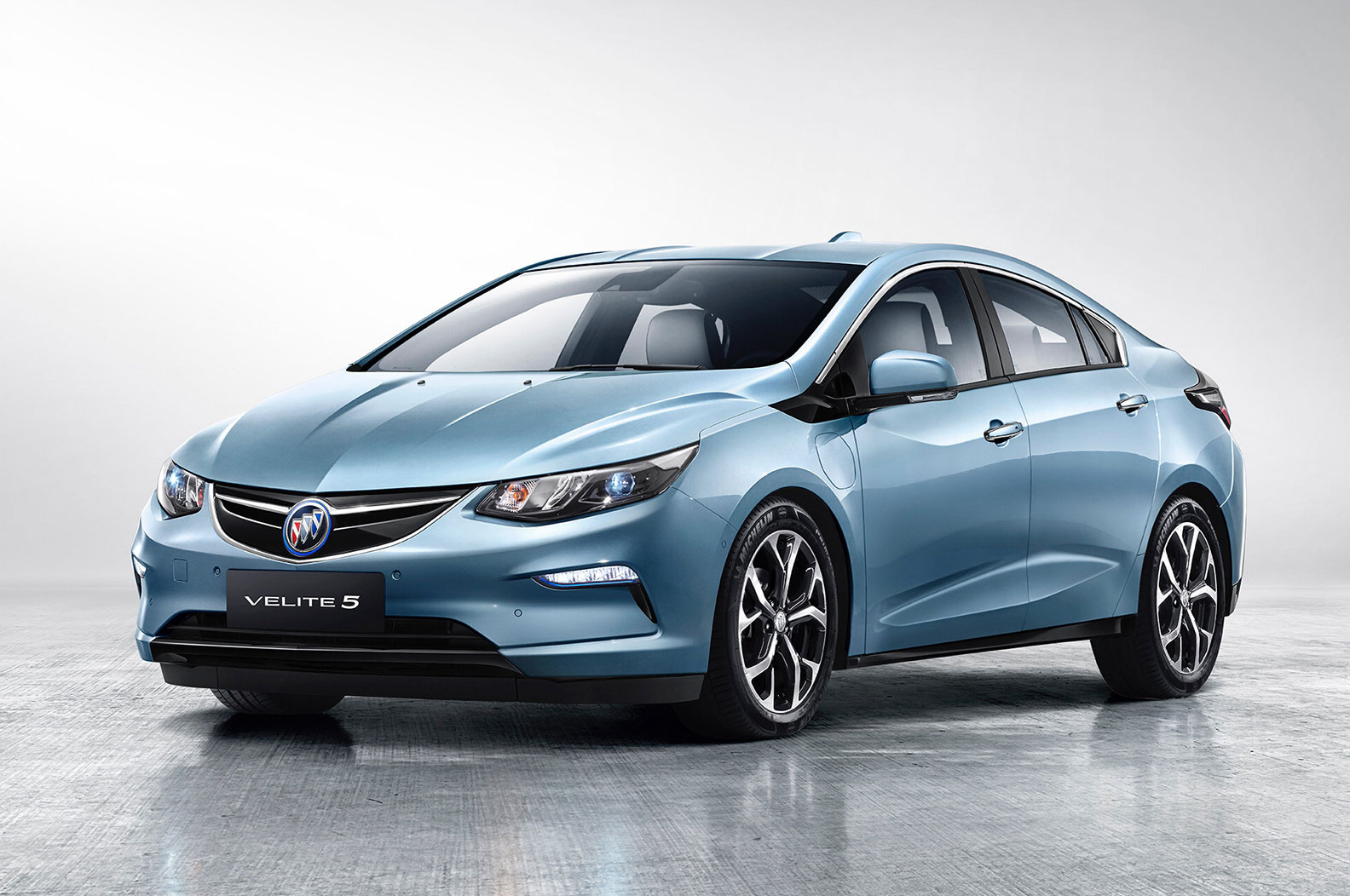 Velite 5 Debuts in China as Buick's First Extended-Range ...