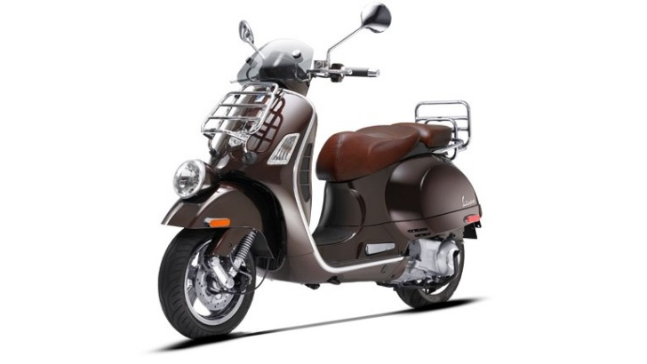 vespa gtv 300 ie has classy looks but the price. Black Bedroom Furniture Sets. Home Design Ideas