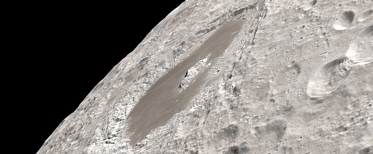 Watch the Far Side of the Moon in 4K Detail as Seen by Apollo 13 Crew - autoevolution
