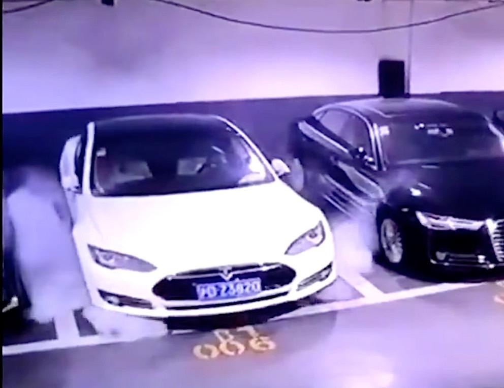 Tesla Model S Explodes in Viral Video