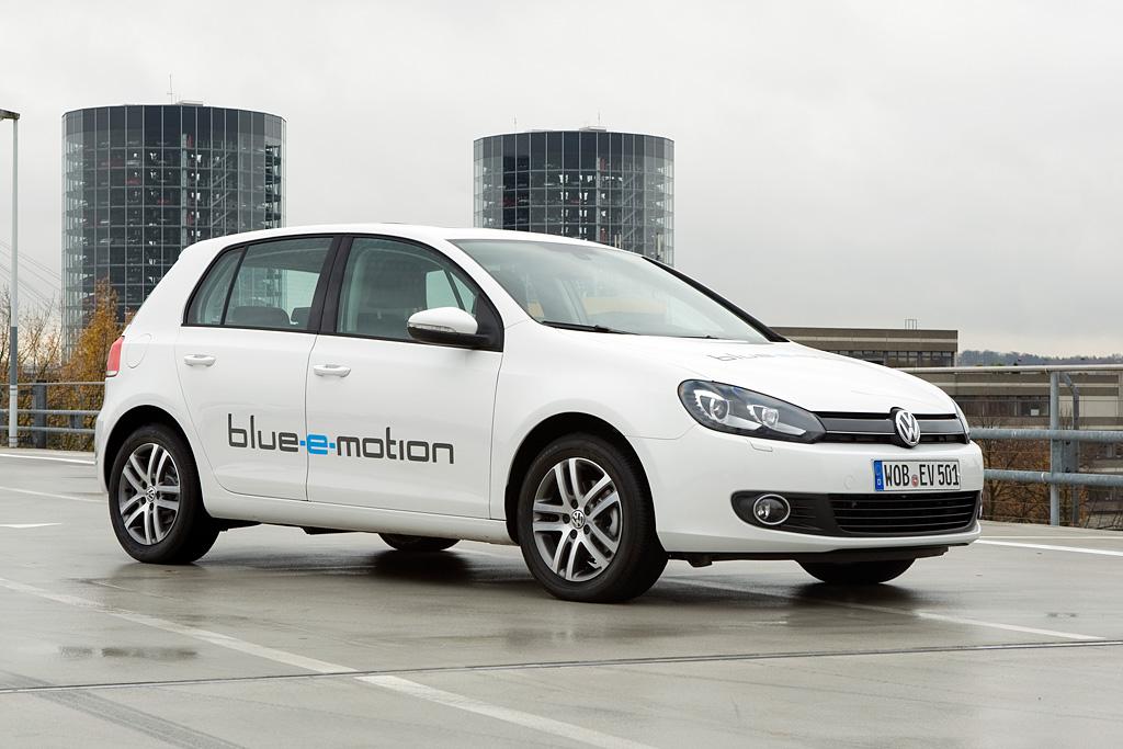 Volkswagen Golf Blue E Motion