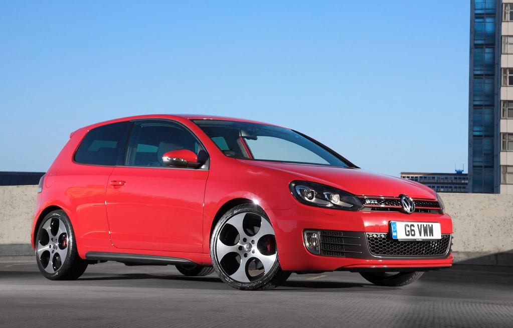 volkswagen golf gt gti gtd and r get free leather autoevolution. Black Bedroom Furniture Sets. Home Design Ideas
