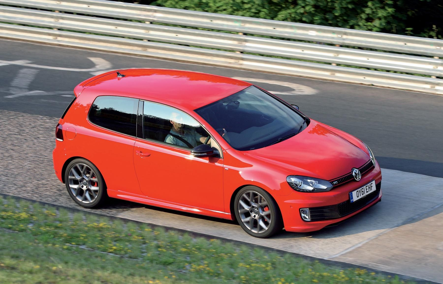 volkswagen golf gti edition 35 goes on sale today autoevolution. Black Bedroom Furniture Sets. Home Design Ideas