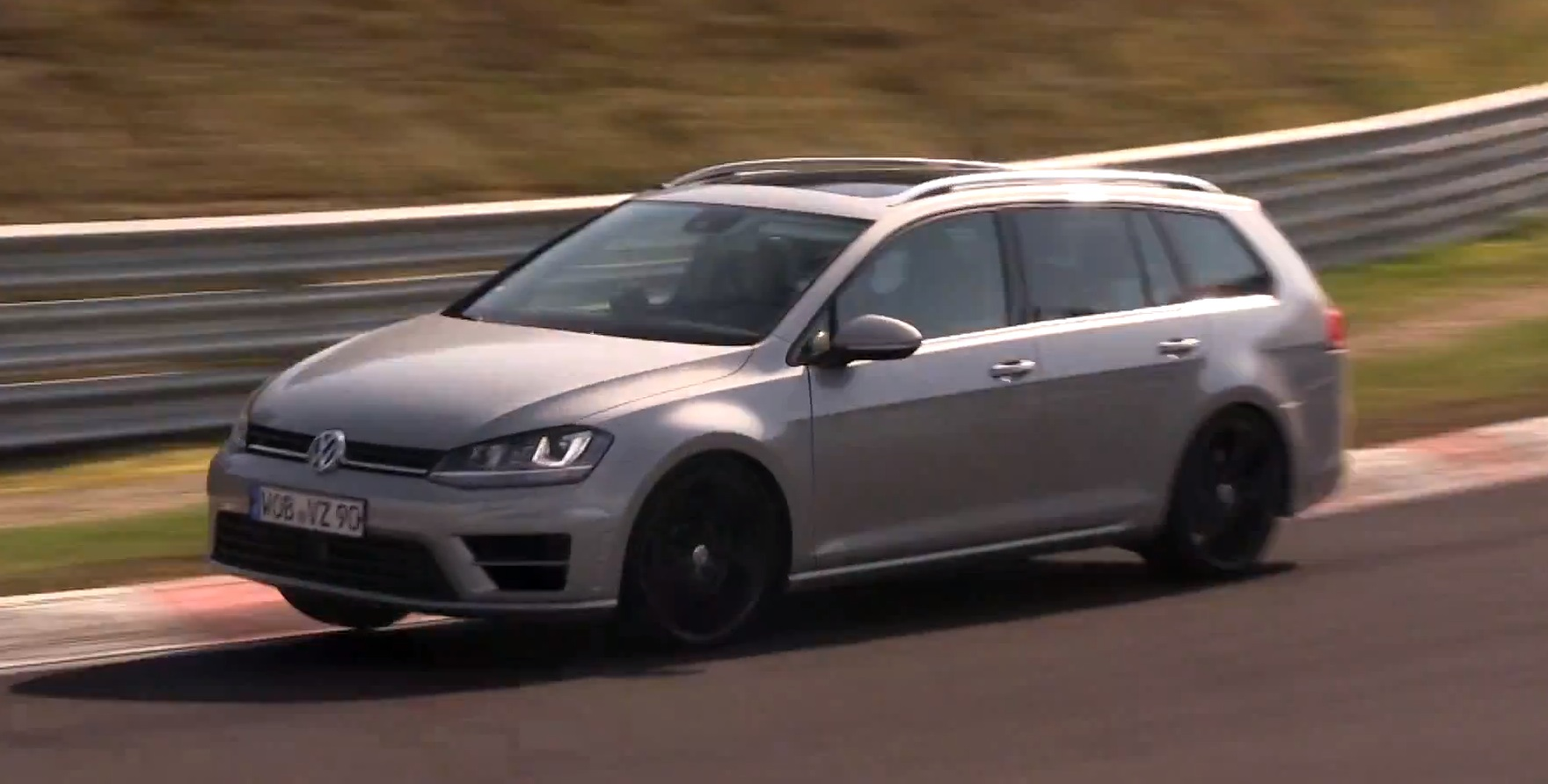 volkswagen golf r estate sounds more like the leon cupra than the r hatch autoevolution. Black Bedroom Furniture Sets. Home Design Ideas