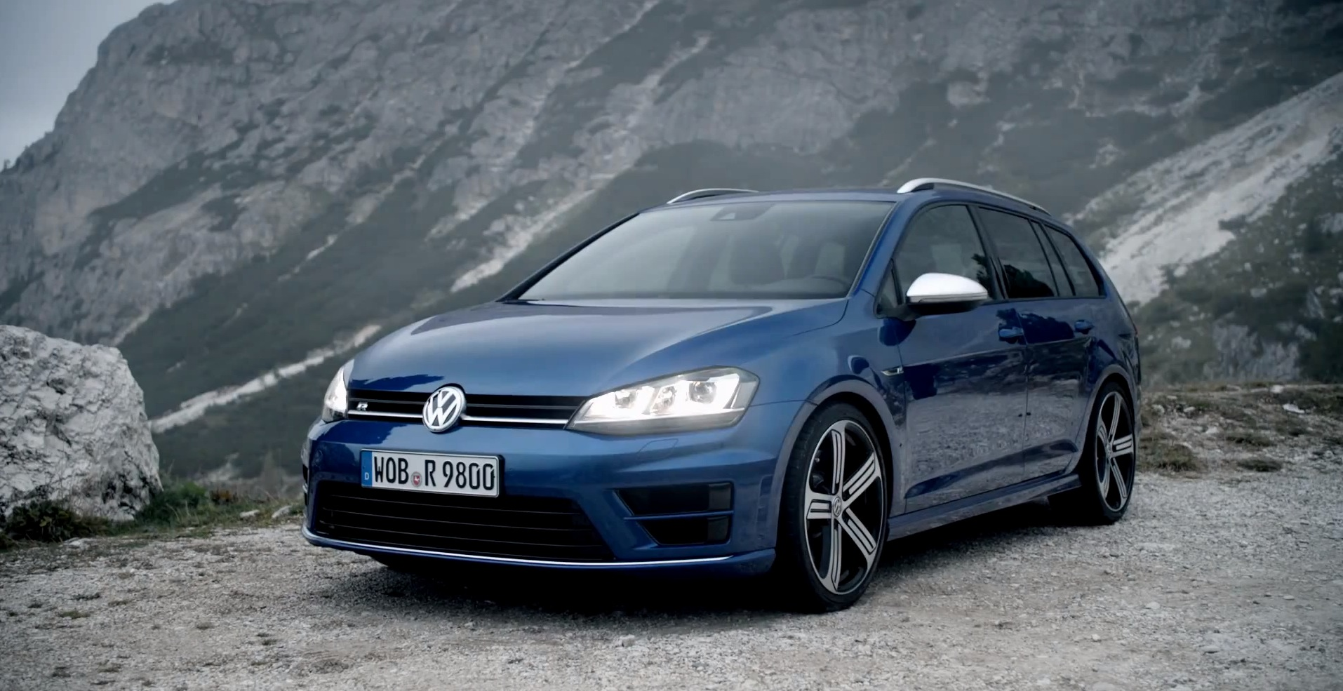 300 hp volkswagen golf r variant makes video debut it 39 s a. Black Bedroom Furniture Sets. Home Design Ideas