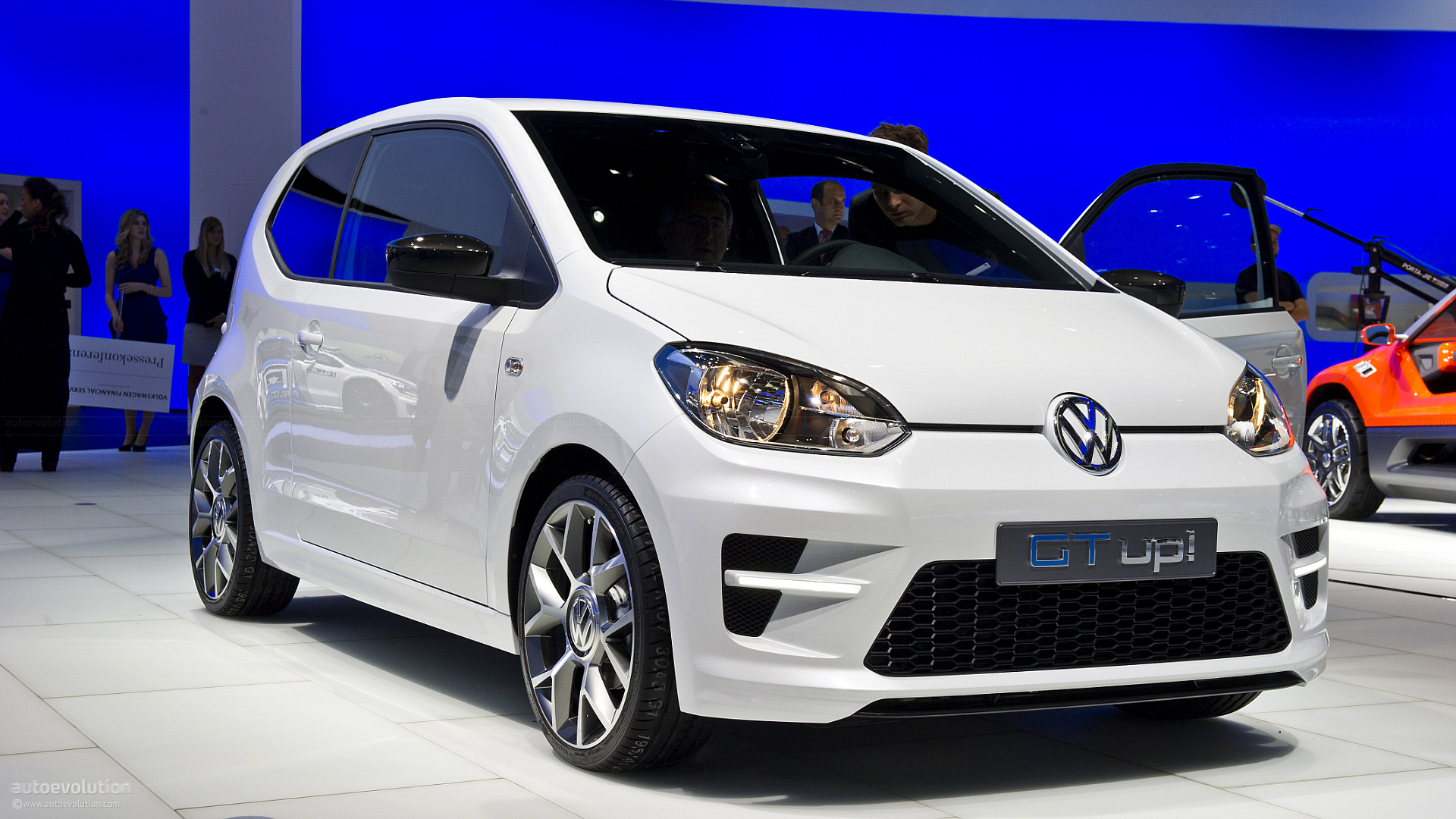 volkswagen gt up confirmed for may 2015 debut 100 hp 1 liter turbo engine autoevolution. Black Bedroom Furniture Sets. Home Design Ideas