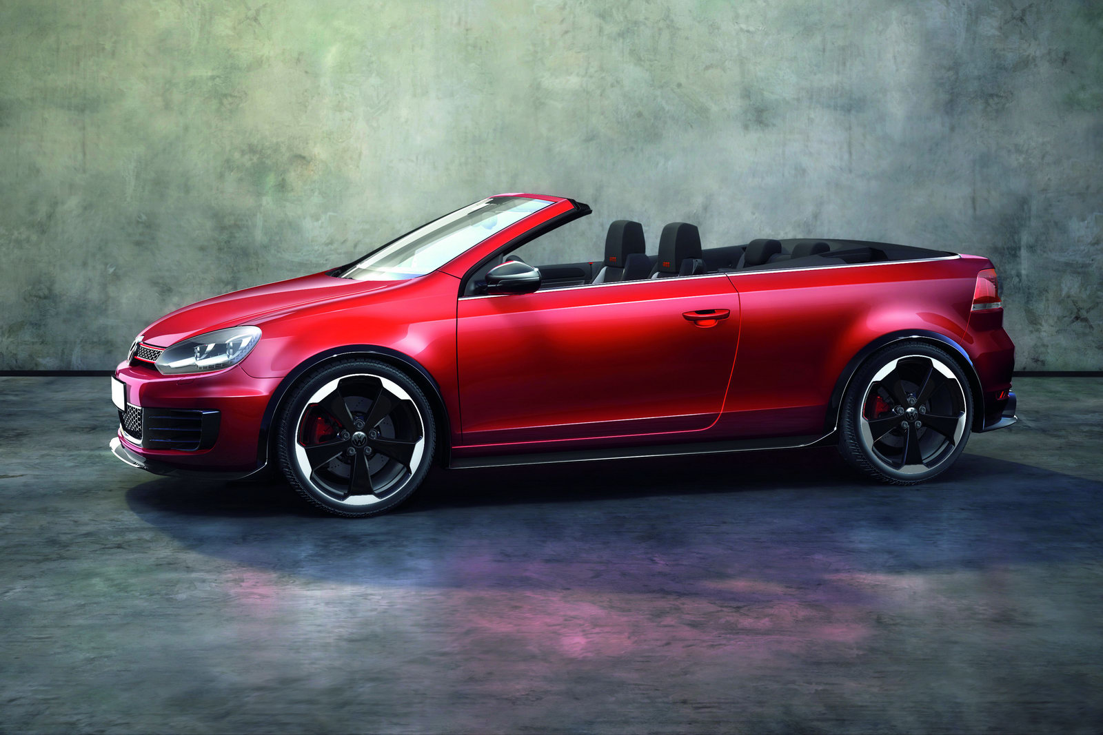 volkswagen plays with our minds golf gti cabriolet study. Black Bedroom Furniture Sets. Home Design Ideas