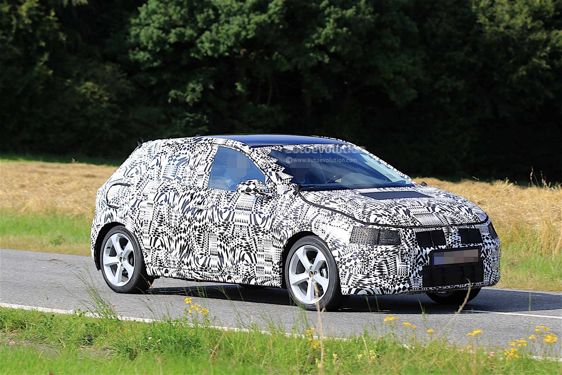 2017 volkswagen polo and polo gti spied testing still. Black Bedroom Furniture Sets. Home Design Ideas