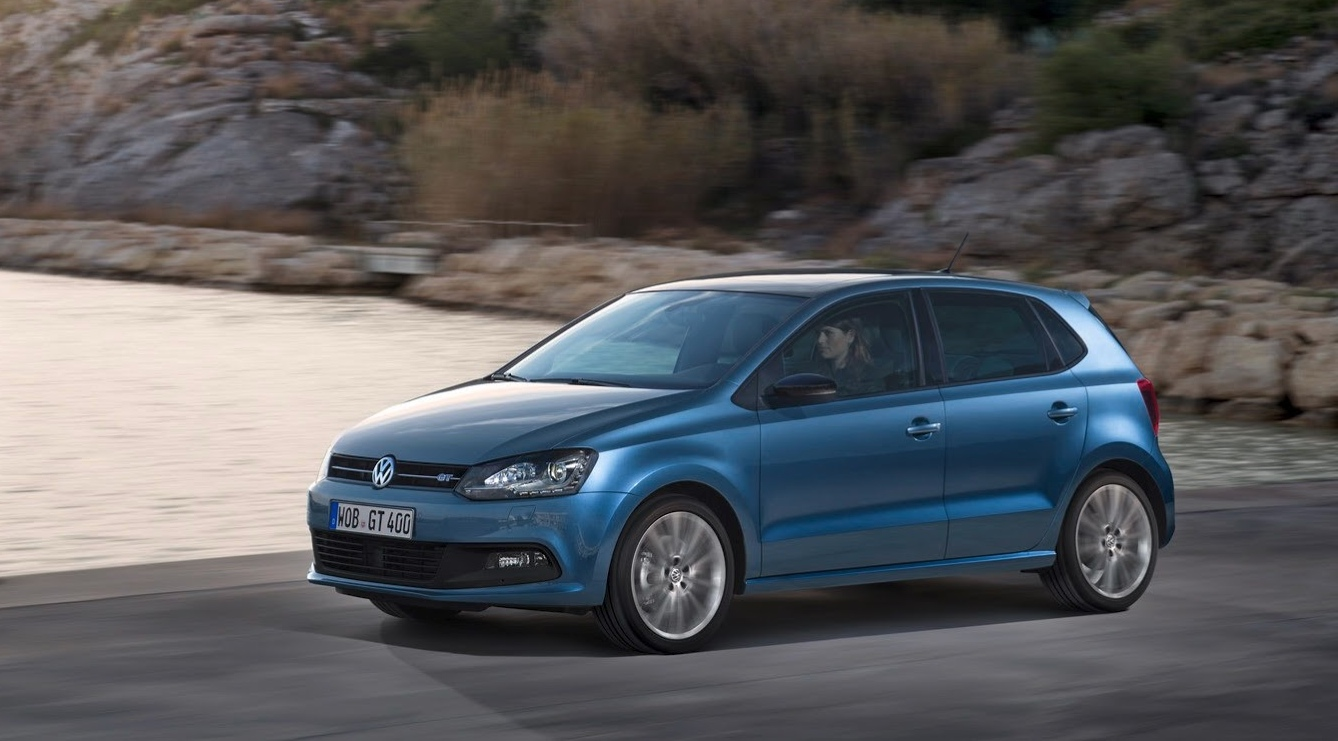 volkswagen shows new crosspolo polo bluegt bluemotion. Black Bedroom Furniture Sets. Home Design Ideas