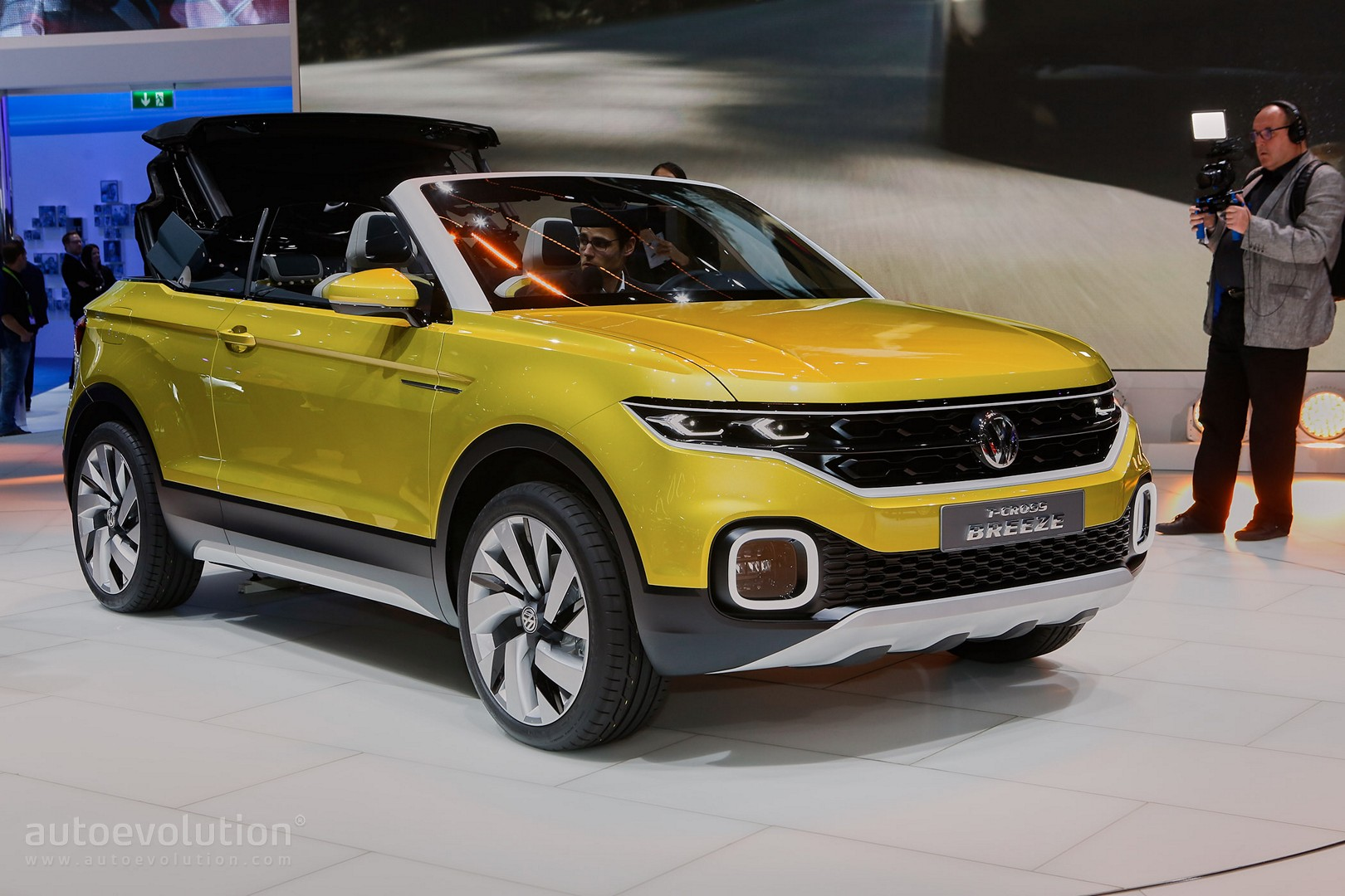 Volkswagen T Cross Breeze Crosses A Polo With A Range