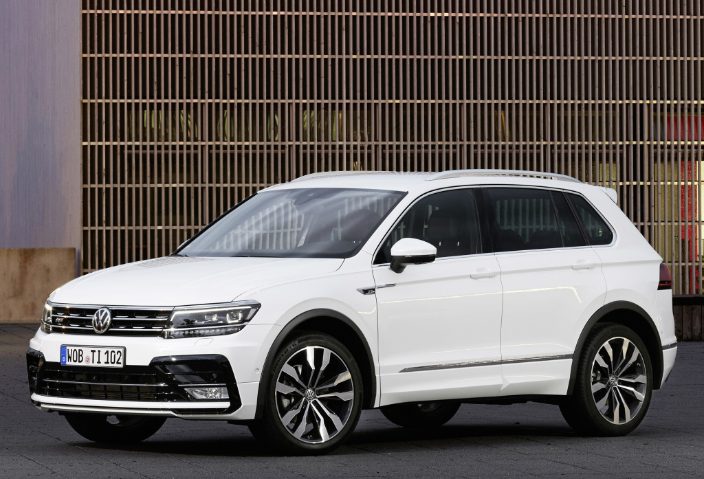 volkswagen tiguan finally gets 2 0 bitdi 240 ps 2 0 tsi 220 ps engines autoevolution. Black Bedroom Furniture Sets. Home Design Ideas