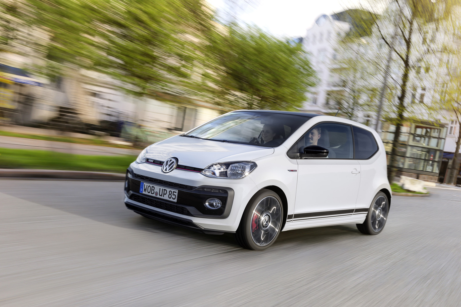 volkswagen up gti revealed with 1 0 tsi engine and equally small red stripe autoevolution. Black Bedroom Furniture Sets. Home Design Ideas
