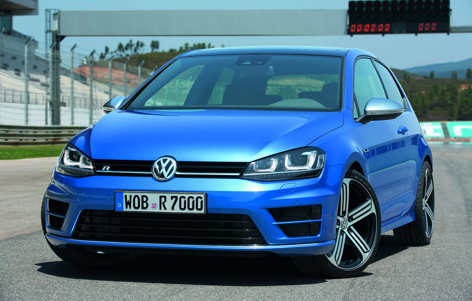 volkswagen wants a 240 hp diesel golf r do you. Black Bedroom Furniture Sets. Home Design Ideas