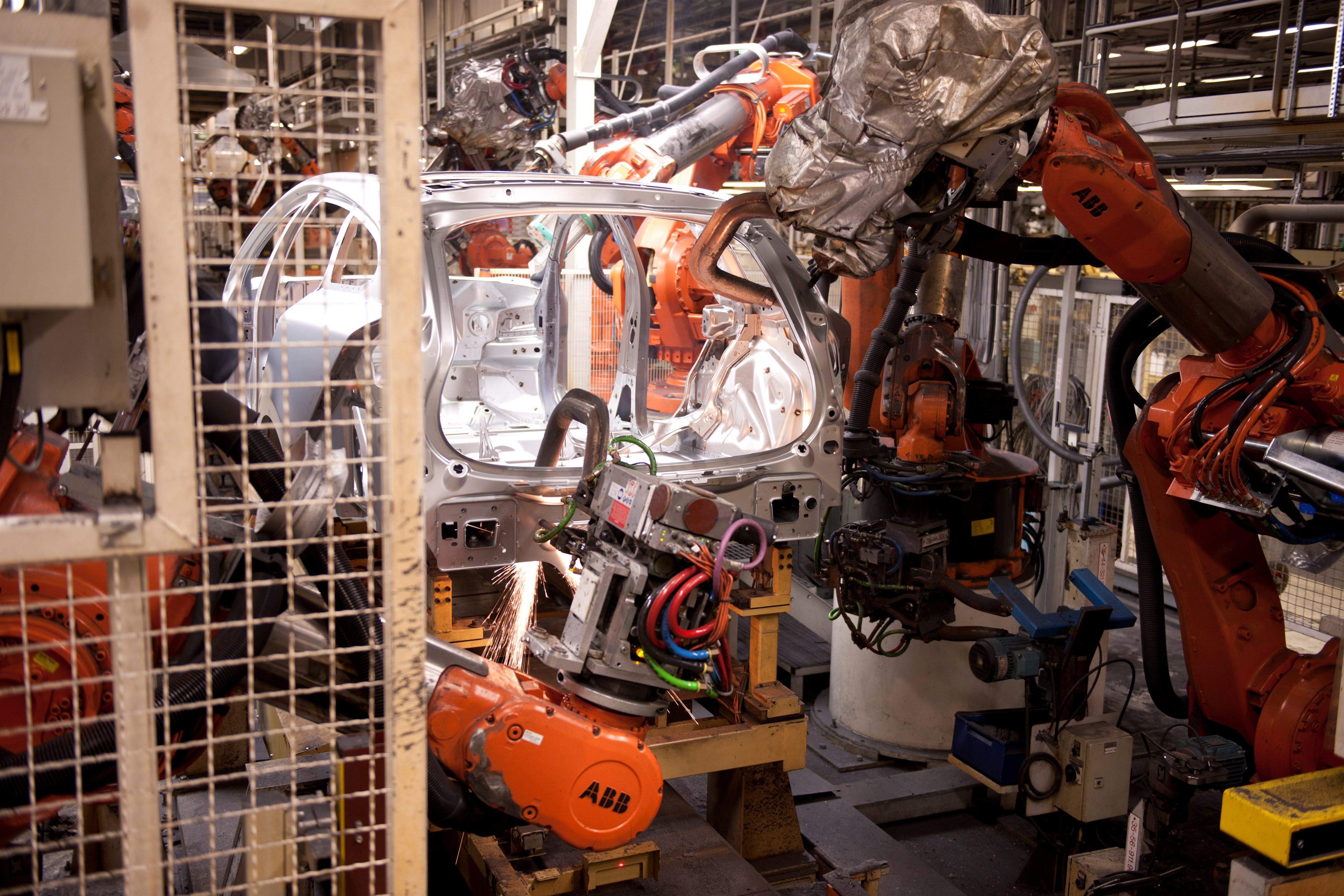 Volvo Adds 1,300 Jobs at Torslanda Factory in Anticipation of New XC90 - autoevolution