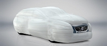 Volvo Announces Car-Enveloping Airbag Technology