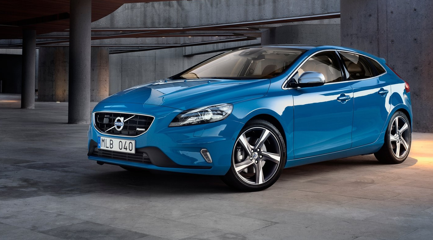Volvo Confident V40 D2 Is Better Than Rival Mercedes A-Cl ...