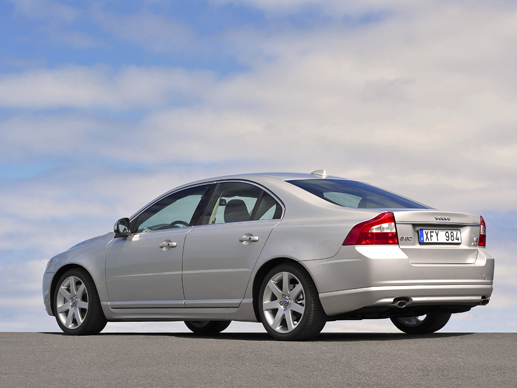 Volvo Recalls 26,000 Cars Worldwide Due to Faulty Software ...