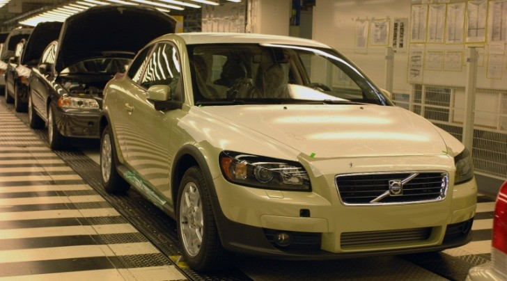 Volvo Reducing Production in Belgium, Cuts 300 Jobs