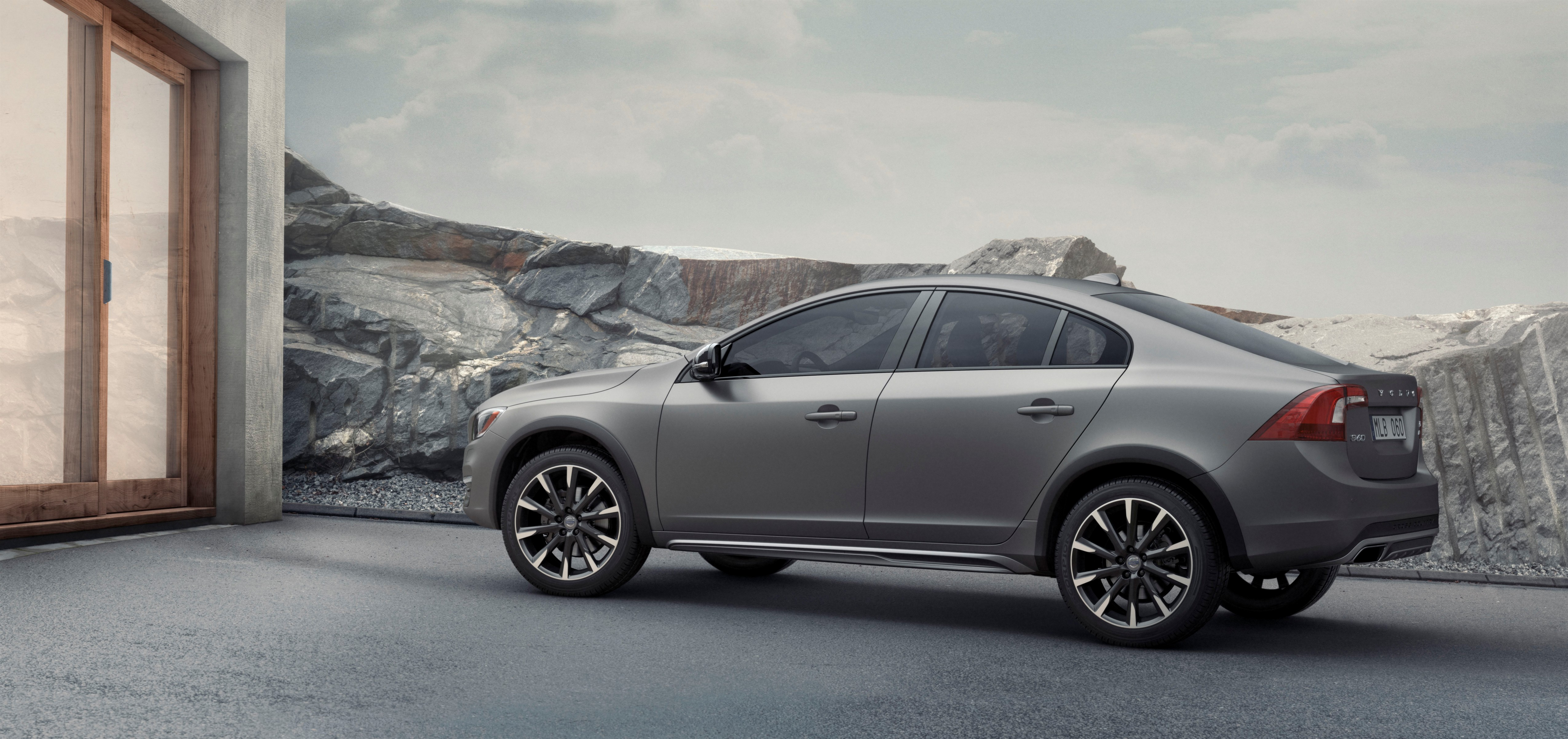 Volvo S60 Cross Country Unveiled The First Sedan With Go Anywhere Attitude Autoevolution