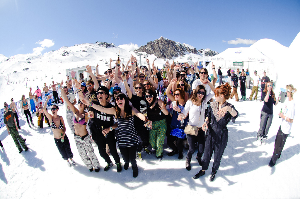 Volvo Snowbombing Festival in April - autoevolution