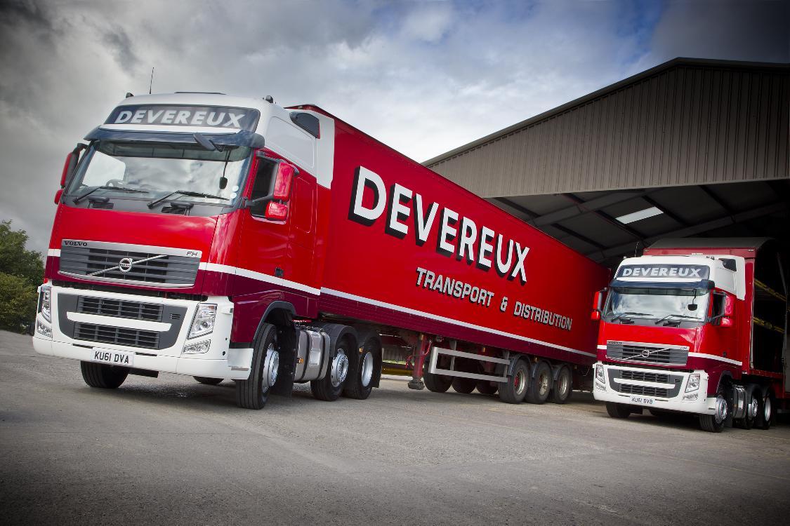 Volvo Trucks Delivers Six Tractor Units to Devereux Transport - autoevolution
