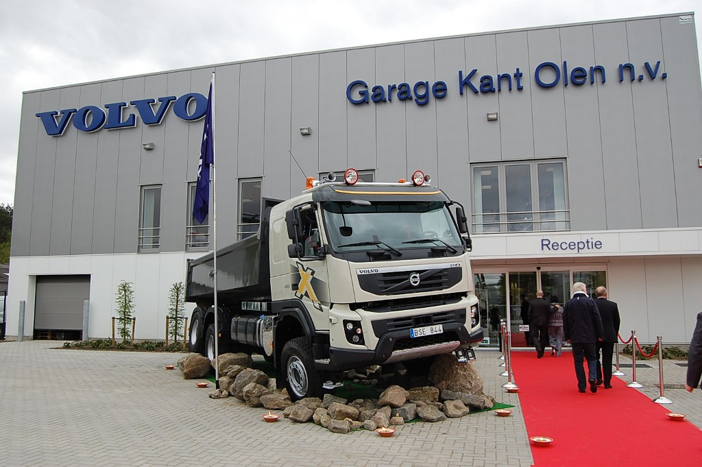 Volvo trucks opens new dealership in belgium autoevolution for Garage volvo rouen