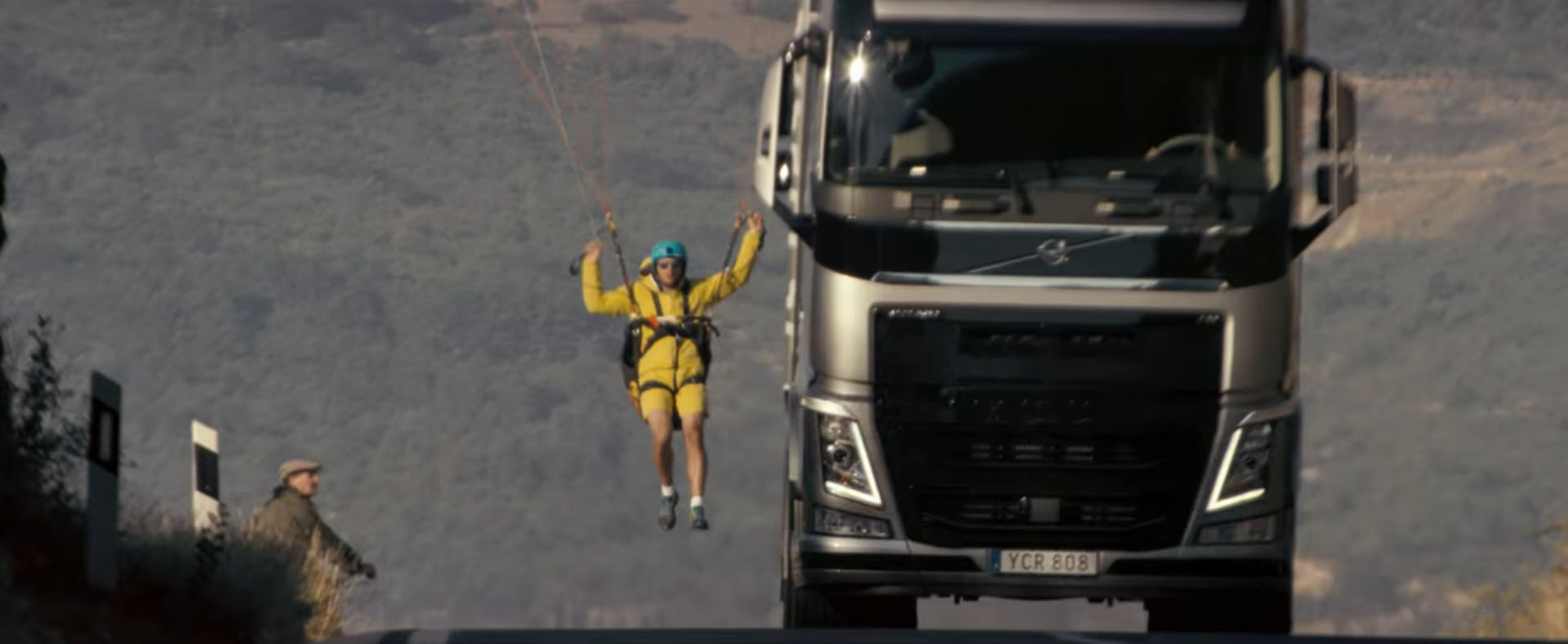 Volvo Trucks Pulls Another Publicity Stunt, Van Damme Nowhere to Be