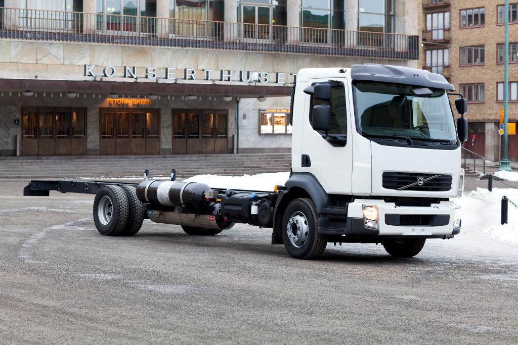 volvo trucks testing methane gas on diesel engines autoevolution. Black Bedroom Furniture Sets. Home Design Ideas