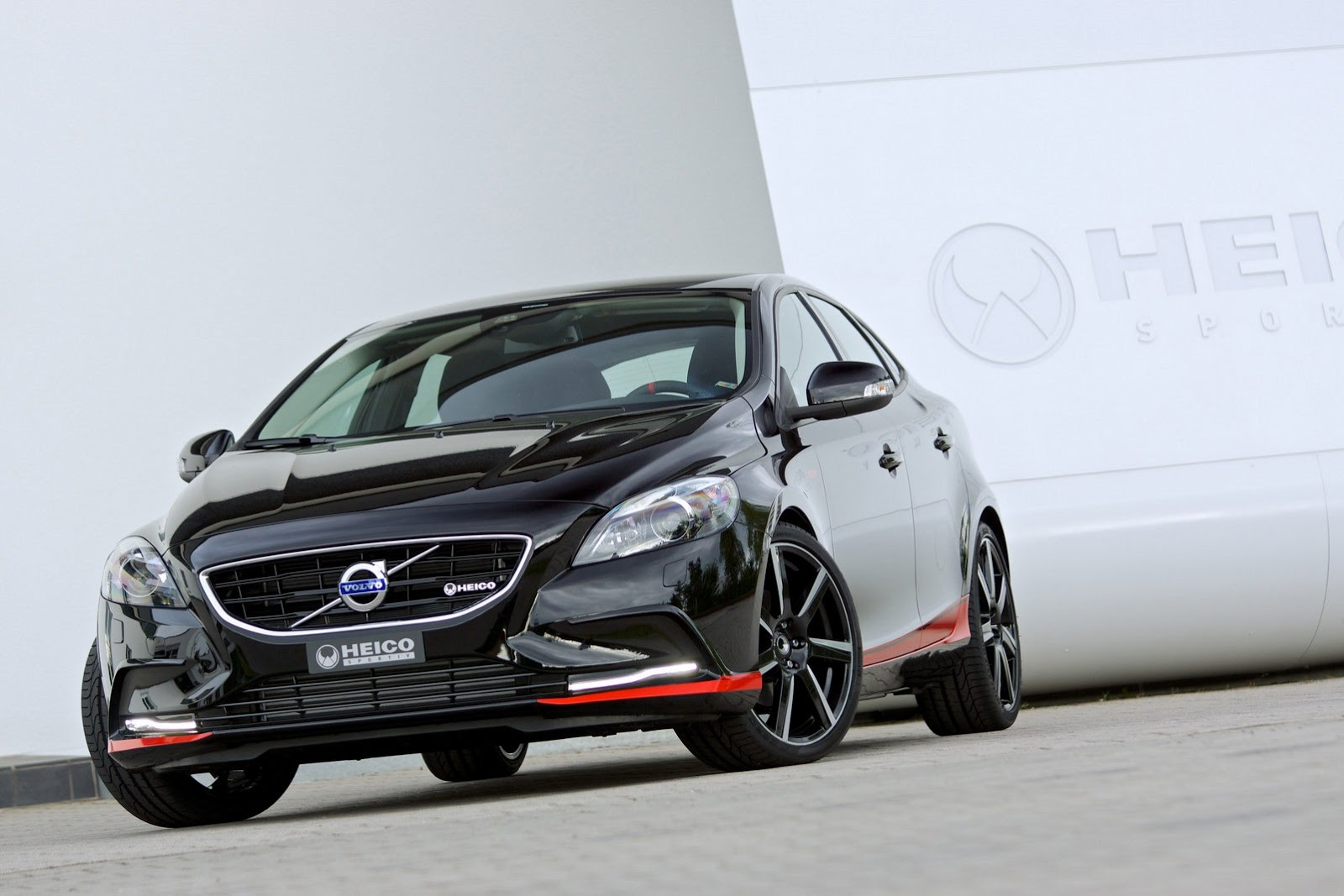 volvo v40 pirelli edition by heico sportiv autoevolution. Black Bedroom Furniture Sets. Home Design Ideas