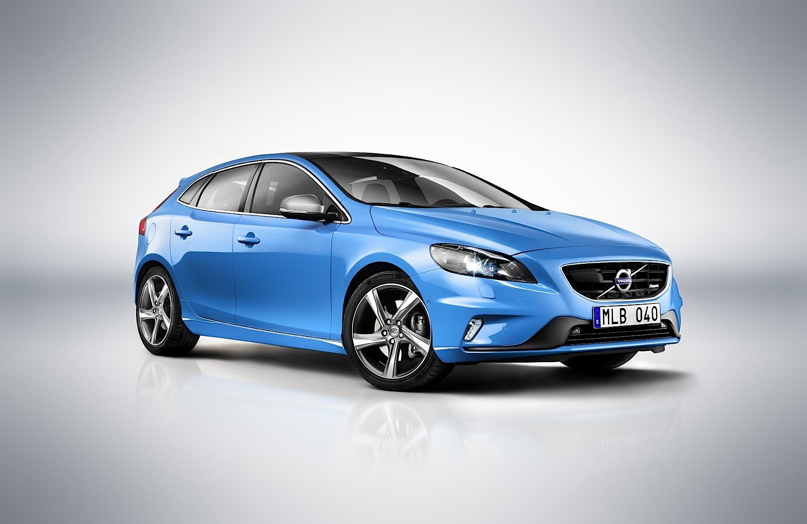 volvo v40 r design unveiled autoevolution. Black Bedroom Furniture Sets. Home Design Ideas