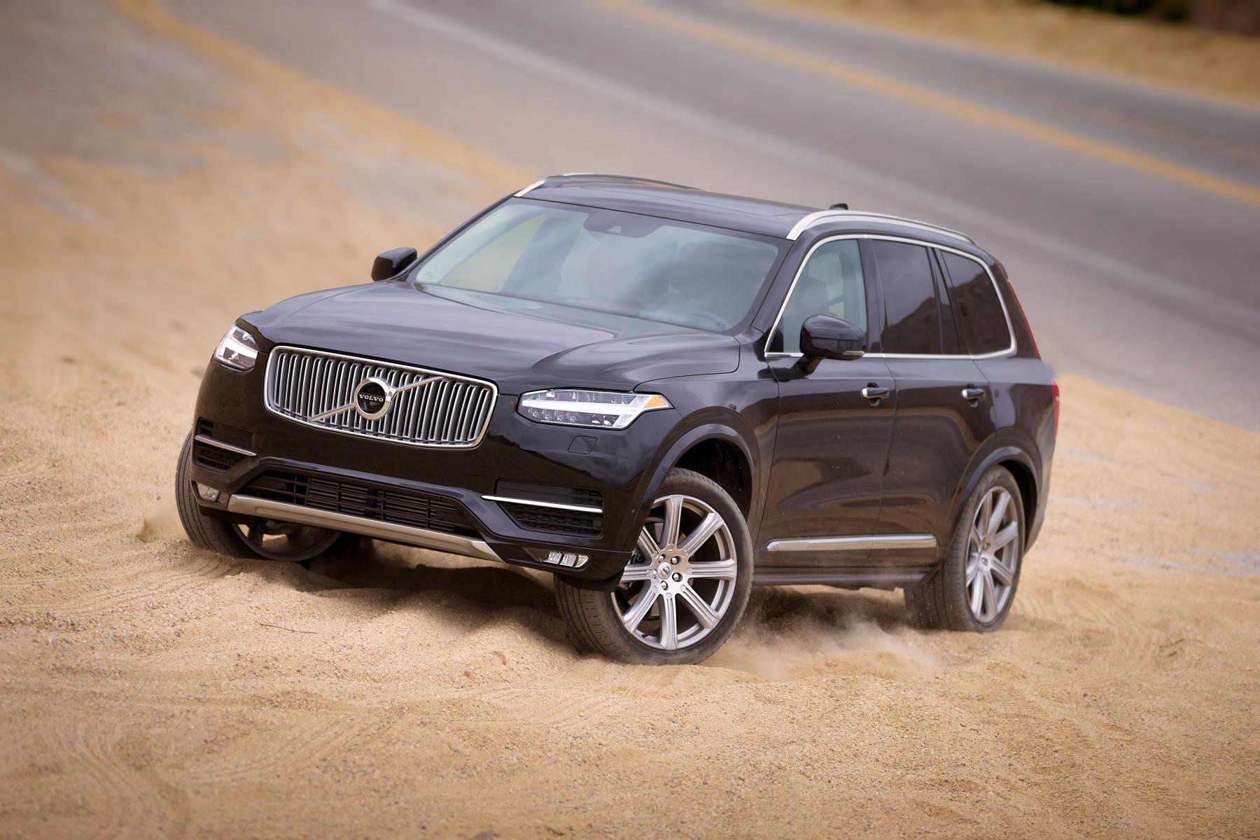 volvo xc90 looks like a shoo in to win 2016 north american. Black Bedroom Furniture Sets. Home Design Ideas