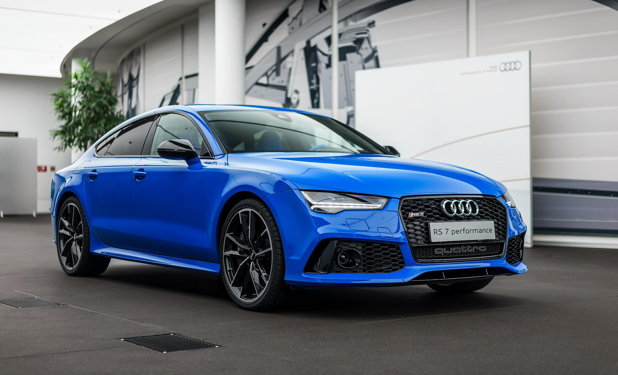 Voodoo Blue Audi RS7 Has an Interior That Belongs in a ...