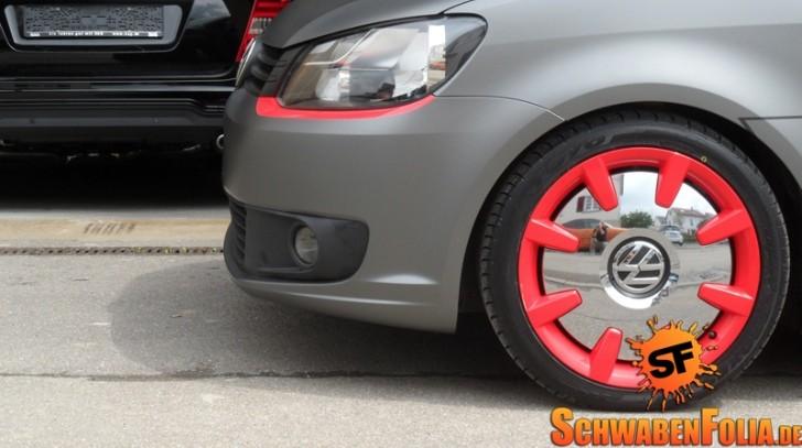 VW Caddy Gets Frozen Wrap, Beetle Wheels - autoevolution