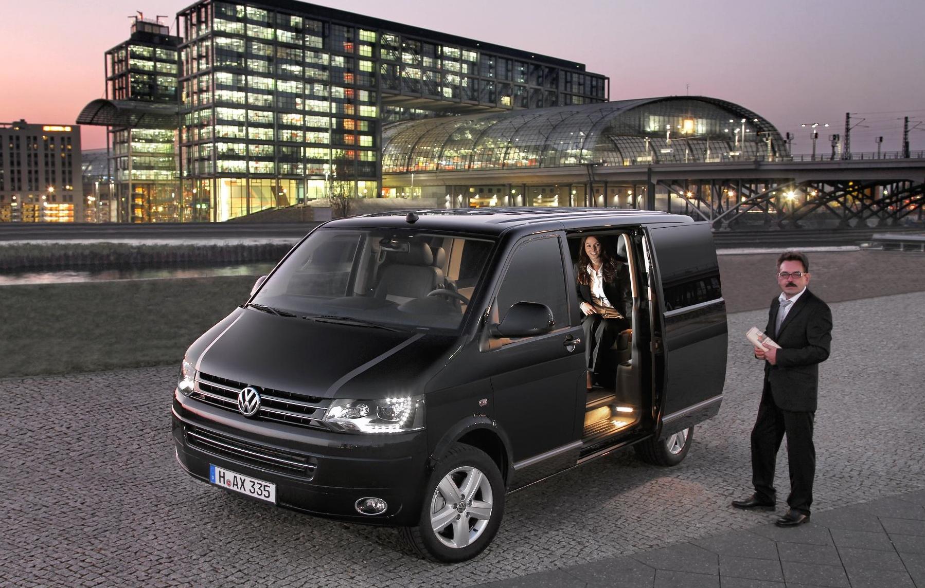 VW Caravelle Business Tops the Range - autoevolution