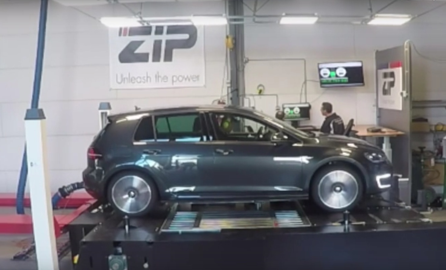 vw golf gte engine tuned to 231 hp proving plug in. Black Bedroom Furniture Sets. Home Design Ideas