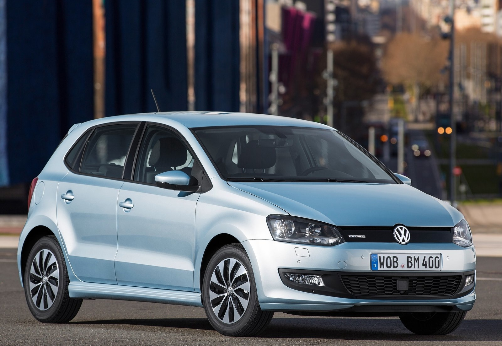VW polo vw : VW Launches 2015 Polo TSI BlueMotion With 1-Liter Turbo Engine ...