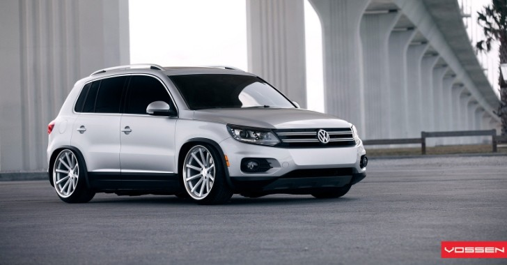 VW Tiguan Bagger on 20-Inch Vossen Wheels [Photo Gallery]