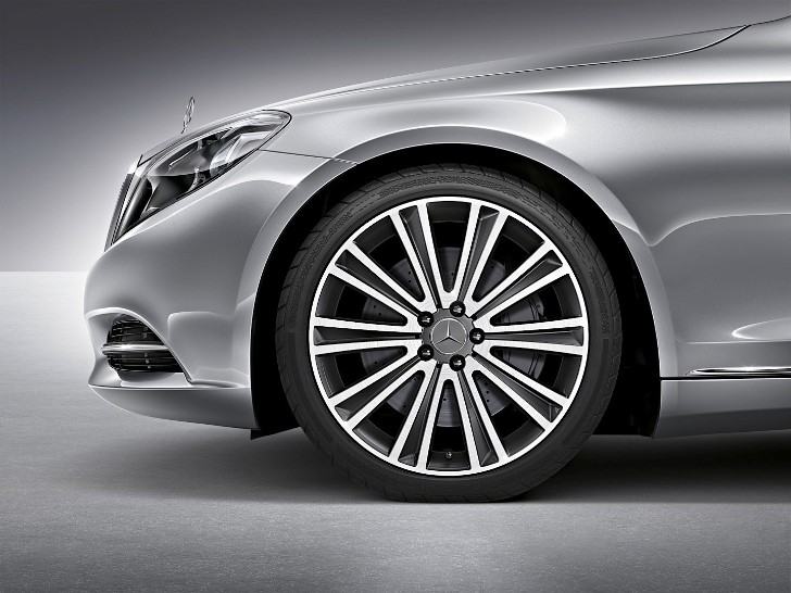 W222 S-Class Gets Two New 19 and 20 inch Wheel Designs