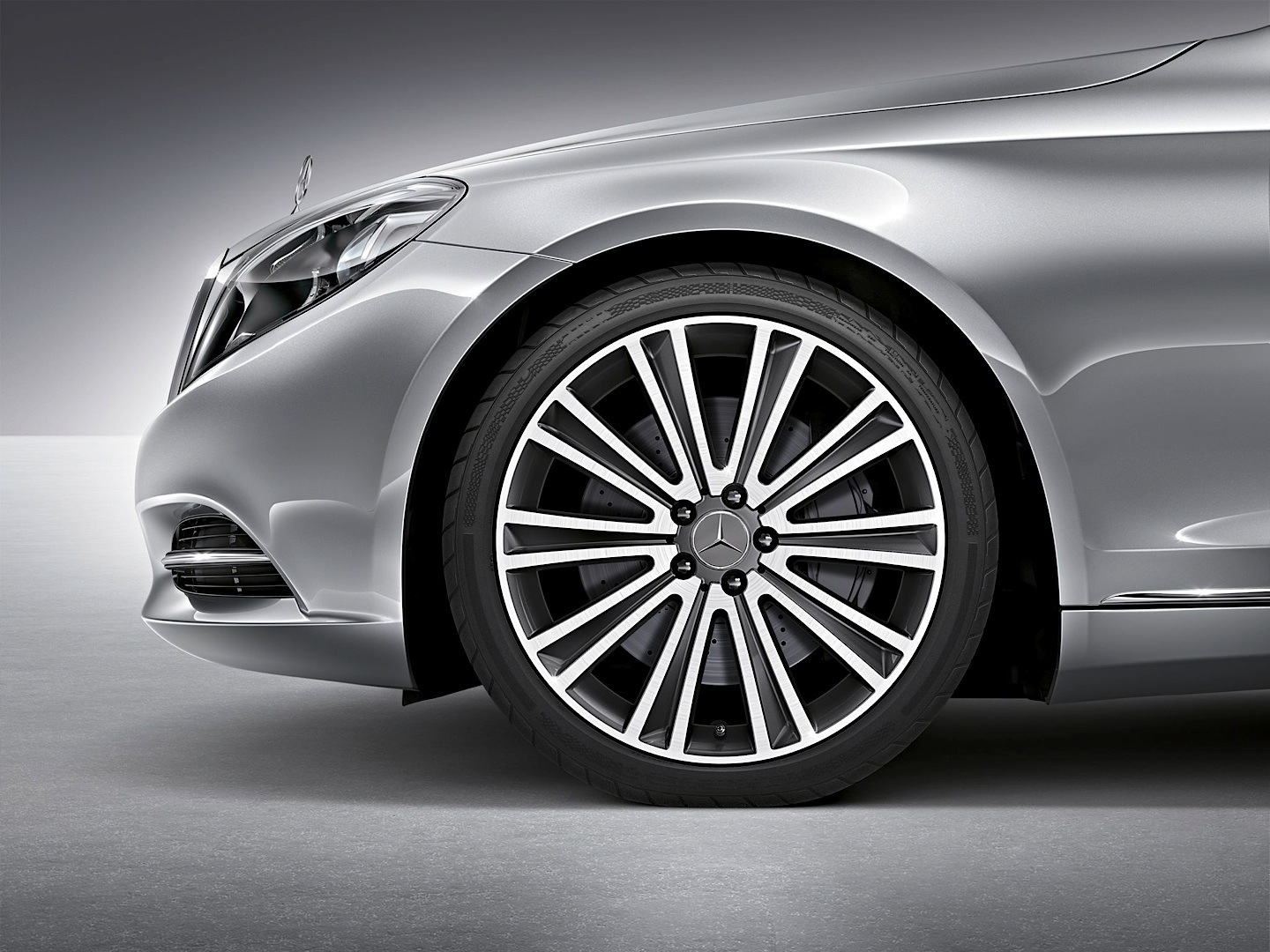 W222 s class gets two new 19 and 20 inch wheel designs for Mercedes benz wheel
