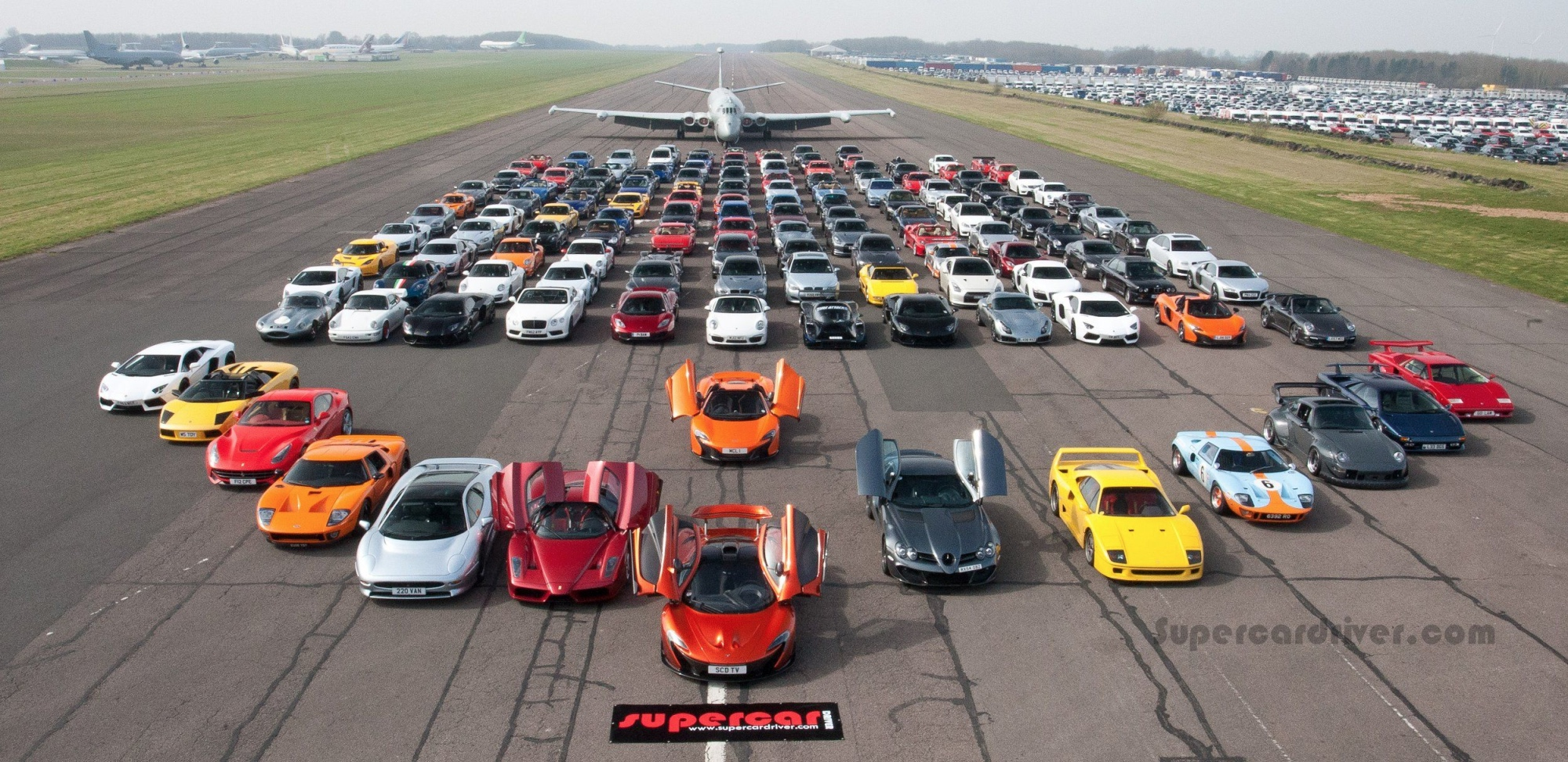 Watch Supercars In A Traffic Jam Autoevolution