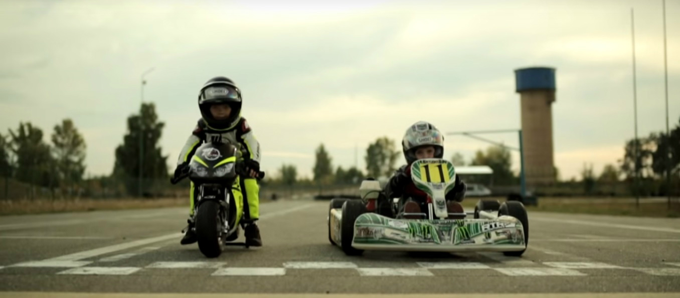 Watch a 2-Year-Old Race Against a 4-Year-Old. Yes, You Read That ...