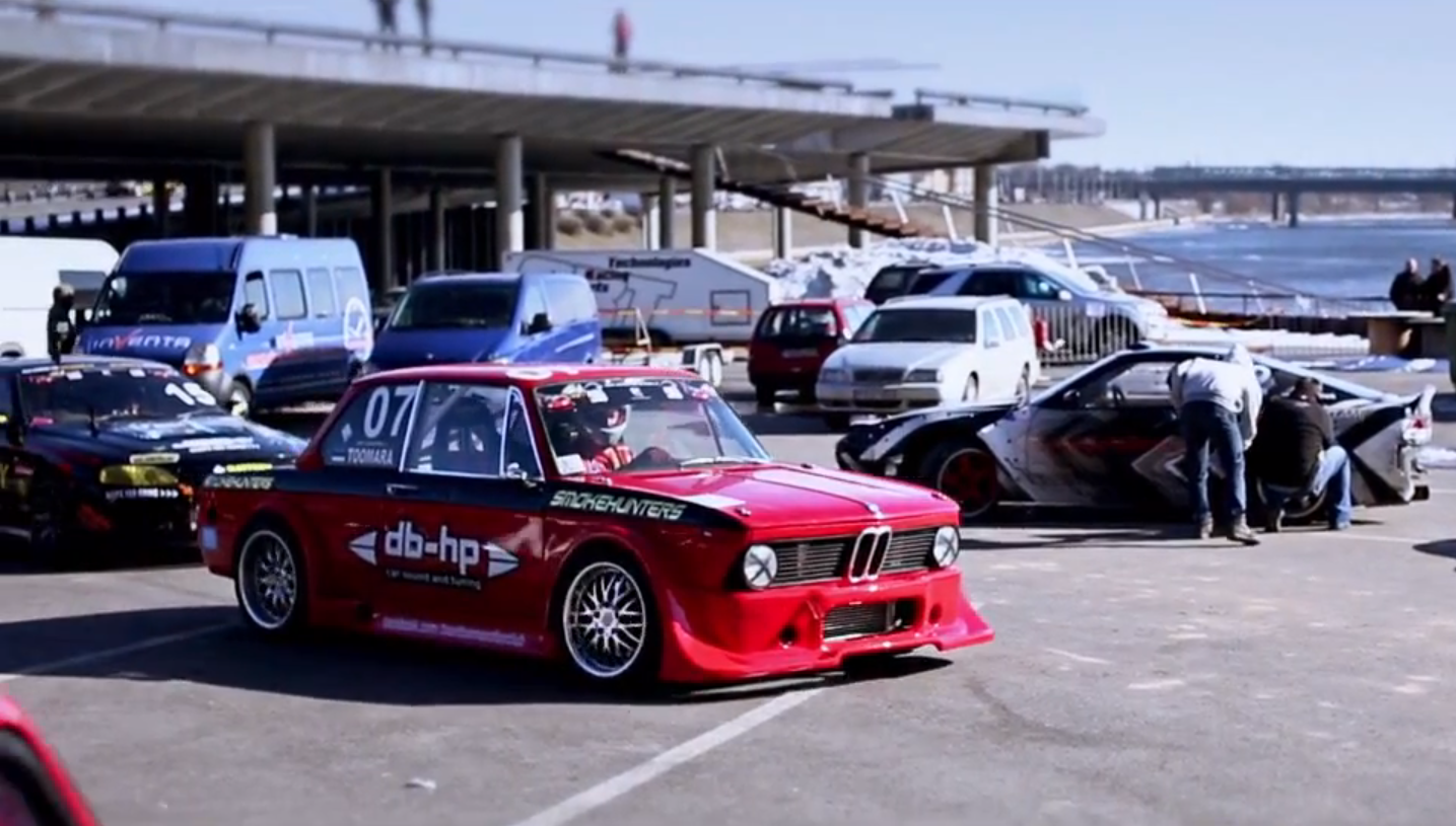 Watch A Bmw 2002 Drift Autoevolution