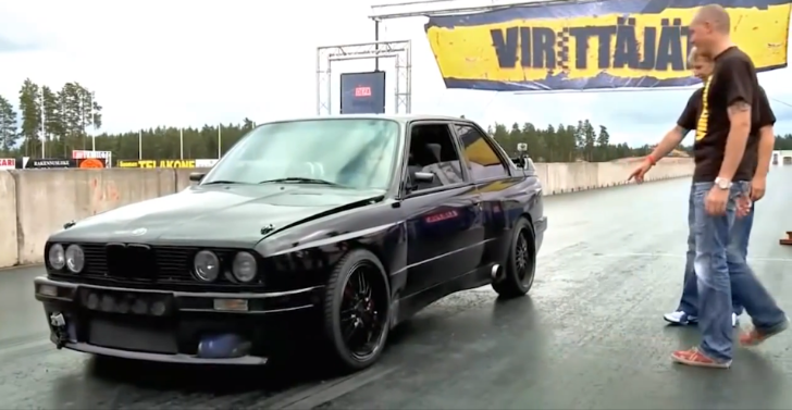 Watch a Confused BMW E30 M3 with 1,192 HP Spit Fire [Video]