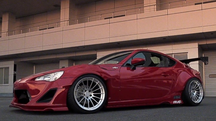 Watch a Rocket Bunny Scion FR-S Posing [Video]