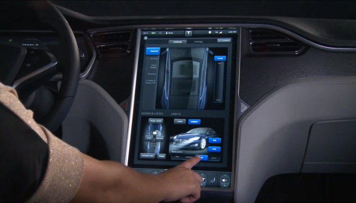 Watch How Tesla Thinks Buttons are Old-Fashioned - autoevolution