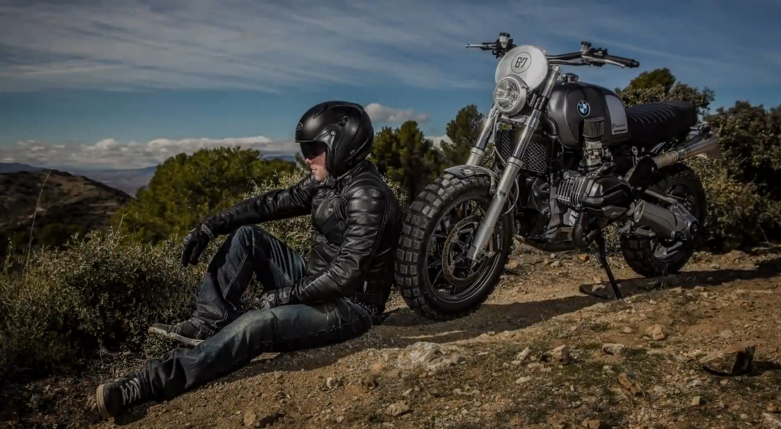 Watch The Wunderlich BMW R1200GS LC Scrambler In Off Road Action